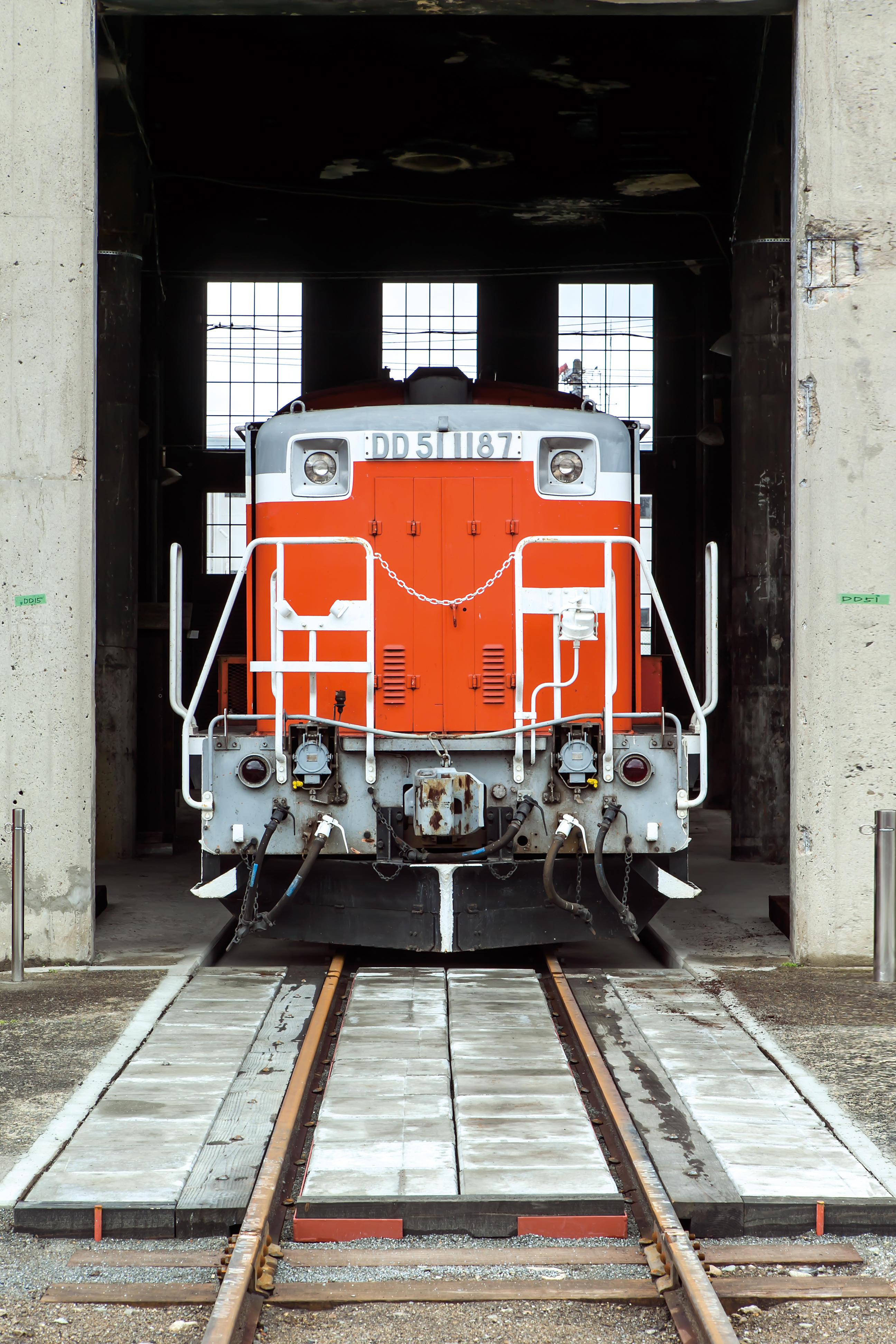 DD51形ディーゼル機関車.jpg